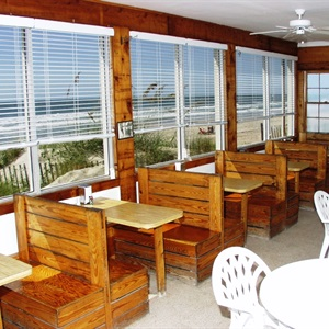 The Jolly Roger Pier Grill